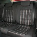 Die hinteren Einzelsitze des Volkswagen Golf GTI Cabrio