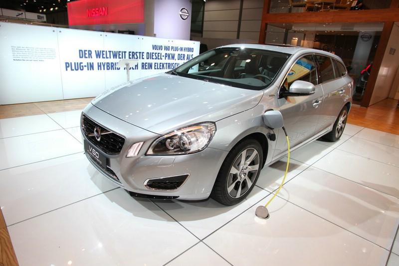 Der neue Volvo V60 Plug-in-Hybrid wird aufgeladen
