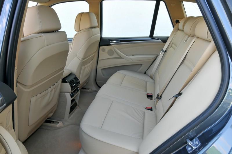 Fondsitz im BMW X5 xDrive40d Facelift-Modell 2010
