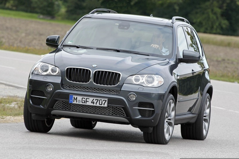 BMW X5 xDrive40d (Fahraufnahme, Frontansicht, 2012er)