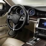 Das neue Cockpit des Maserati Quattroporte Modell 2013