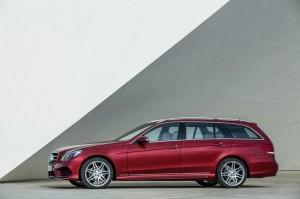 Die Seitenpartie des Mercedes-Benz E-Klasse T-Modell Facelift 212