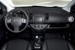 Der Innenraum des Minivans Nissan Note