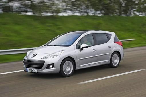 Silbernes Peugeot 207 Sondermodell SW Forever
