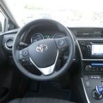 Das Cockpit des neuen Toyota Auris Hybrid