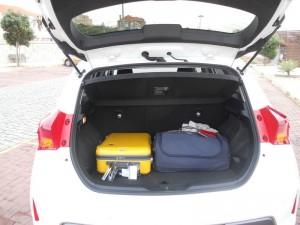 Der Kofferraum des Toyota Auris als Hybrid