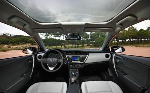 Das Interieur des 2013er Toyota Auris