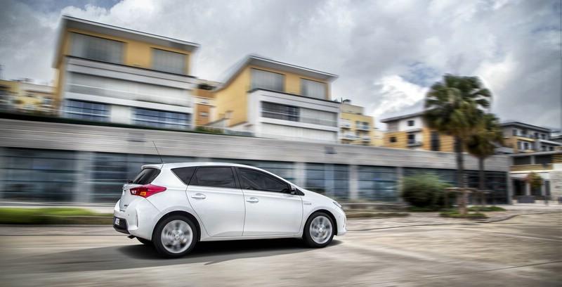 2013 er Toyota Auris in Weiss