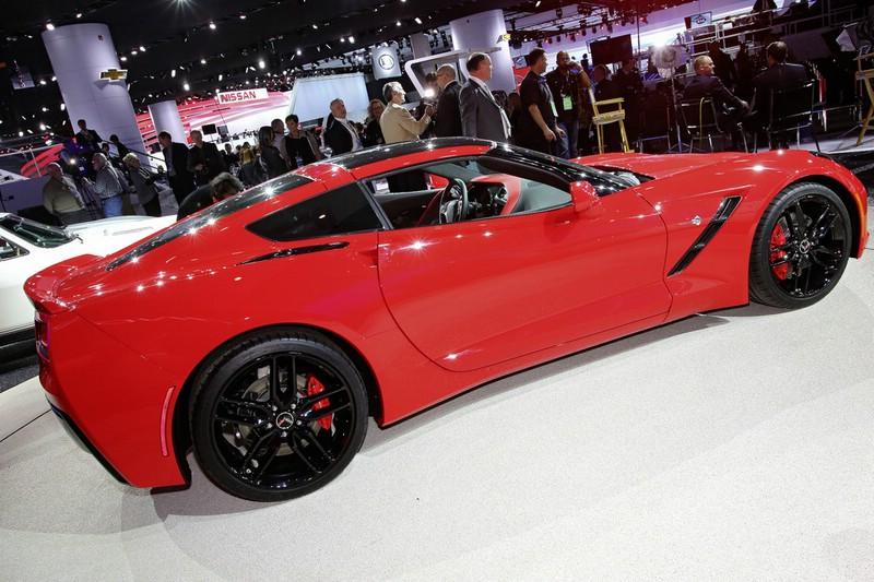 Roter Chevrolet Corvette C7 Stingray aud der Detroit Motor Show 2013