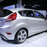 Der neue Ford Fiesta ST in der Außenfarbe Silber