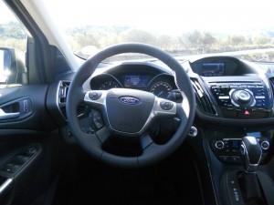 Das Cockpit des Ford Kuga 2013