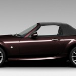 Mazda MX-5 Hamaki in der Lackfarbe Festivalschwarz Metallic