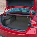 Der Kofferraum des 2013 Mazda6 2.2 Skyactiv-D