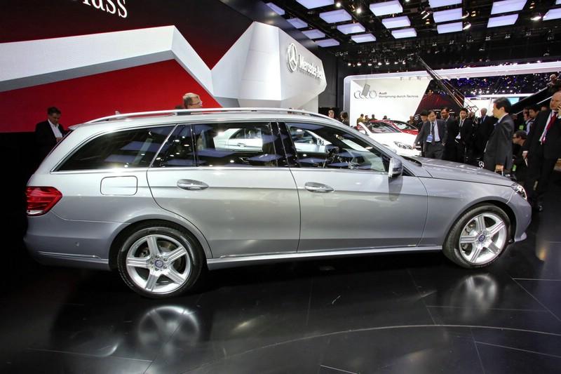 Mercedes-Benz E-Klasse T-Modell auf der Detroit Motor Show 2013