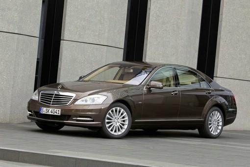 Die Mercedes S-Klasse hier als S 350 Blue-Efficiency