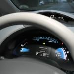 Der Tachometer des Nissan Leaf