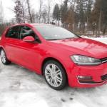 VW Golf 4Motion in Rot in der Front- Seitenansicht