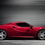 Die Seitenpartie eines 2013-er Alfa Romeo 4C