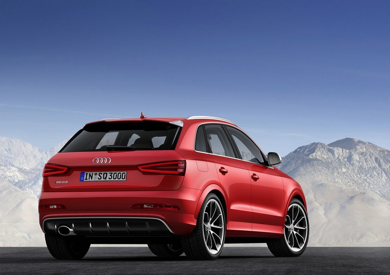 Roter Audi RS Q3 in der Heckansicht