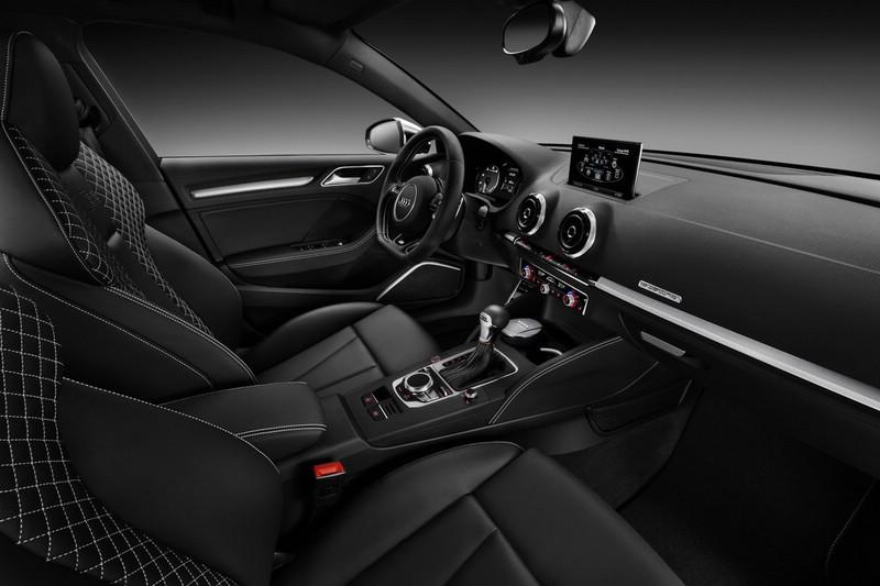 Galerie: Audi S3 Sportback Interieur   Bilder und Fotos