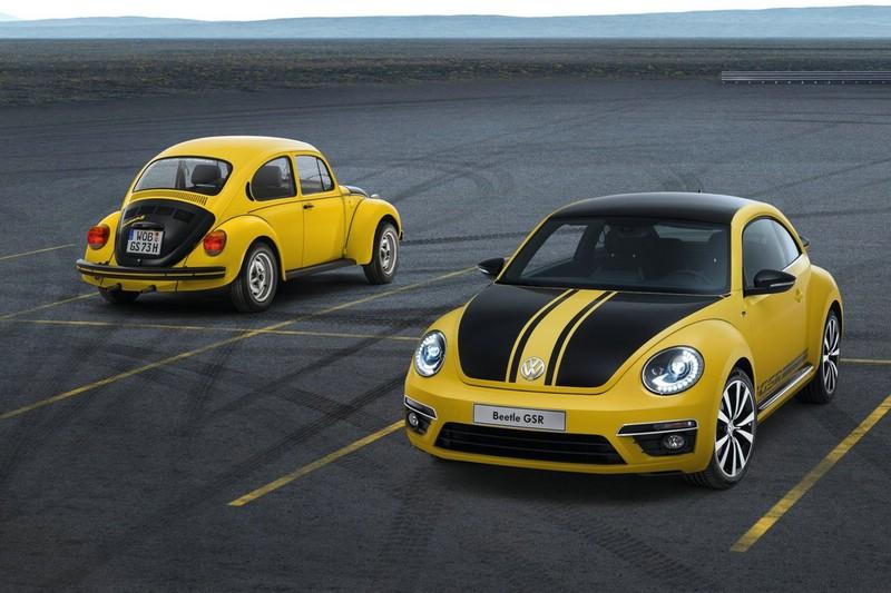 Volkswagen Beetle GSR und Käfer 1303 S GSR nebeneinander