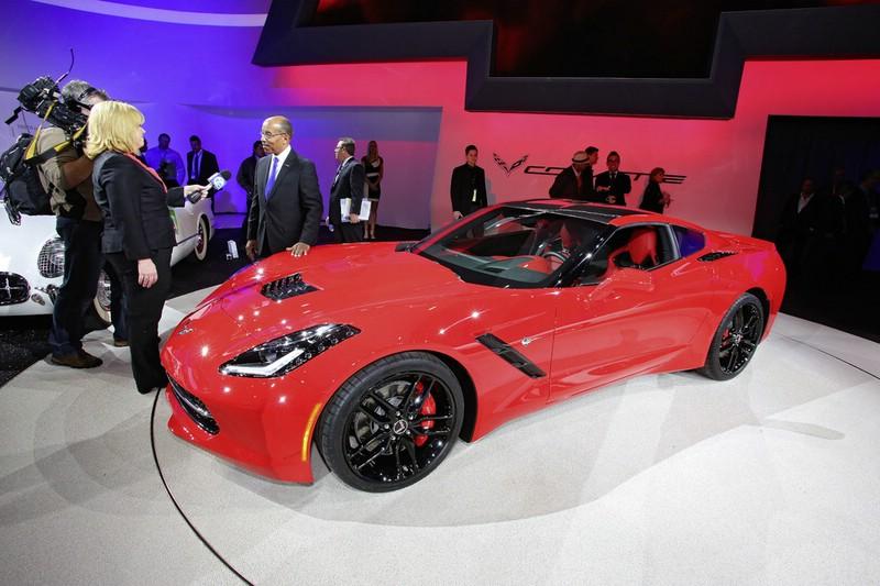 Roter Chevrolet Corvette C7 - Dieser Sportler wird in Genf zu sehen sein