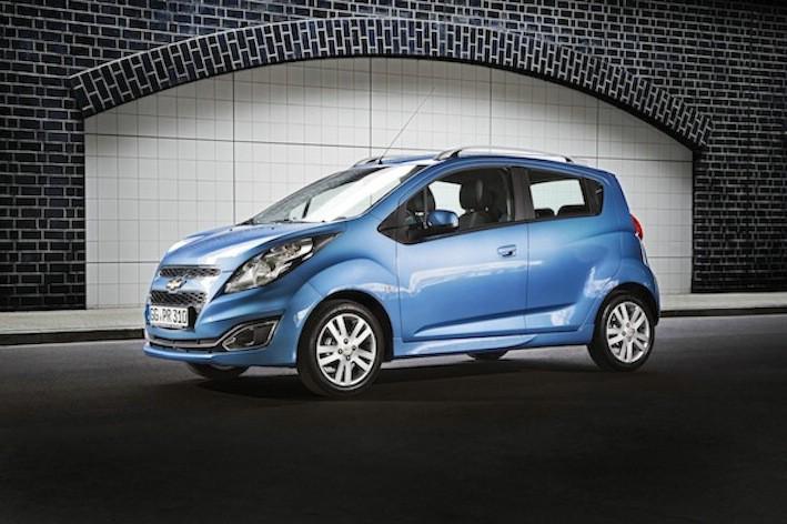 Das Faceliftmodell des Chevrolet Spark in Blau