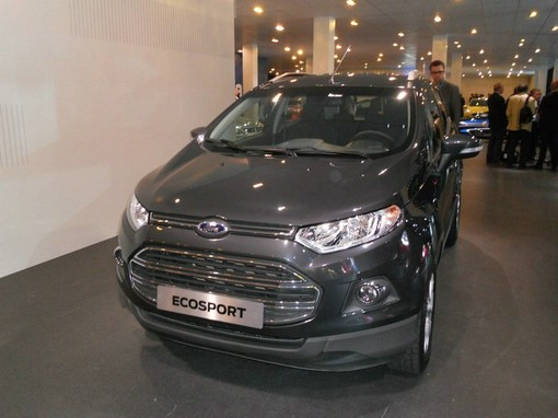 schwarzer Ford Ecosport 2013