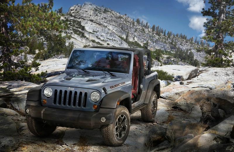 2013-er Jeep-Wrangler Rubicon 10th Anniversary Edition in der Frontansicht