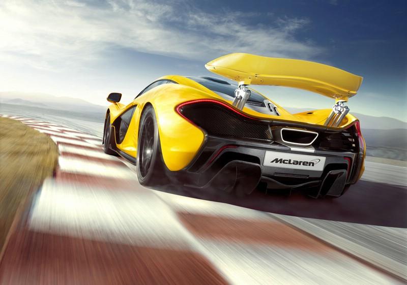 Die Heckansicht des McLaren P1