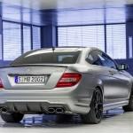 Silberner Mercedes-Benz C 63 AMG Edition 507 von hinten