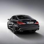 Kosmosschwarzer Mercedes-Benz CLA Edition 1 in der Heckansicht