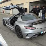 Mercedes-Benz SLS AMG Coupe Black Series mit geöffneten Flügeltüren