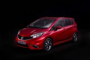 Roter Nissan Note Modellgeneration 2014