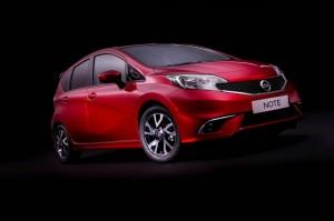 Die Front und Seitenpartie des Nissan Note