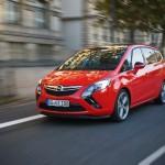 2013er Opel Zafira Tourer Biturbo in Rot