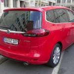 Roter Opel Zafira Tourer Biturbo mit 195 PS