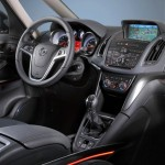 Das Cockpit des Opel Zafira Tourer Biturbo
