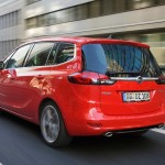 Opel Zafira Tourer Biturbo in der Heckansicht