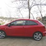 Der neue (2013) Seat Ibiza Cupra in Rot in der Seitenansicht