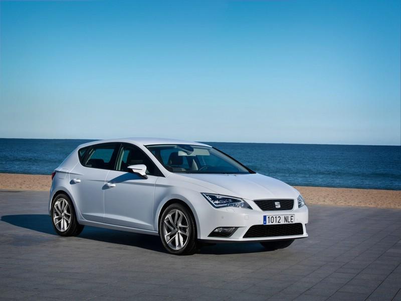 Seat Leon Ecomotive 1.4 TSI in Weiß Exterieur Bilder