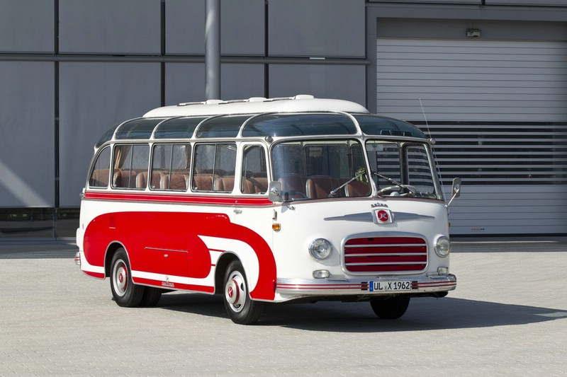 Setra S 6 in Rot weiss