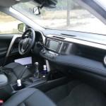 Der Innenraum des 2013-er Toyota RAV4