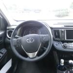 Das Cockpit der vierten Generation des Toyota RAV4