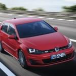 Roter VW Golf GTD Fahraufnahme 2013