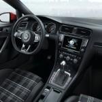 Der Innenraum des VW Golf GTD Cockpit, Mittelkonsole