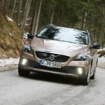 Volvo V40 Cross Country in der Frontansicht (Fahraufnahme)