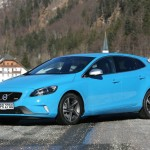 Volvo V40 R-Design in der Lackfarbe Rebel Blue