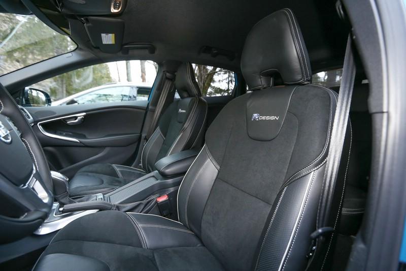 Galerie: Volvo V40 R-Design Interieur | Bilder und Fotos