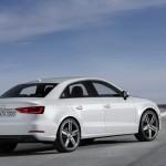 weißer Audi A3 Limousine 2013 in der Seiten- Heckansicht